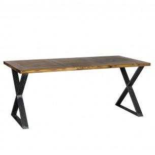 Stół industrialny w jadalni