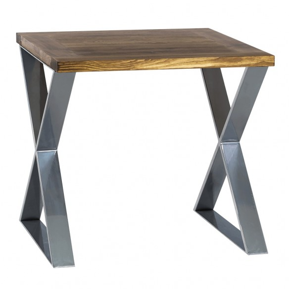 Stół z drewnianym blatem do jadalni