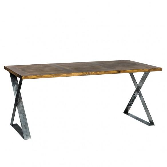 Stół drewniany industrialny w kuchni