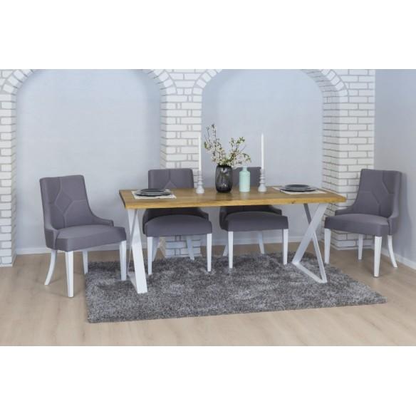 Stół w stylu industrialnym w kuchni