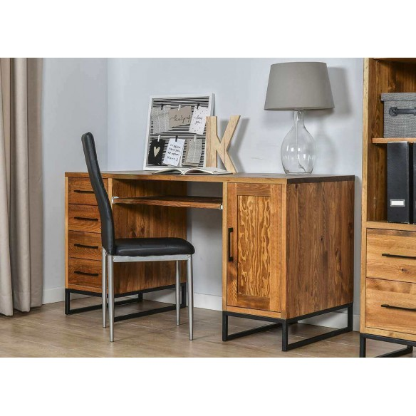 drewniane biurko w stylu loftowym