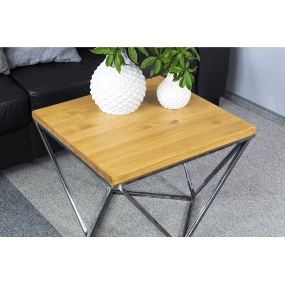 Nowoczesny stolik metalowy