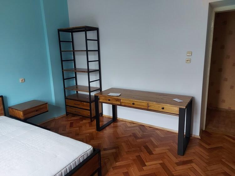 meble z metalu i drewna w stylu loft